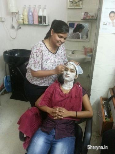 Beauty Parlour course - government recognized | Classes for sale in